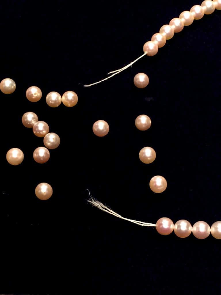 真珠ネックレス 糸変え修理