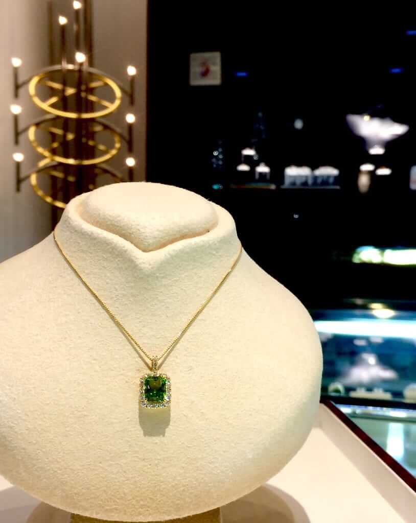K18 ペリドット ダイヤモンド取巻きペンダントネックレス
