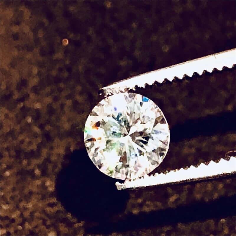 立爪指輪から外したダイヤモンド裸石